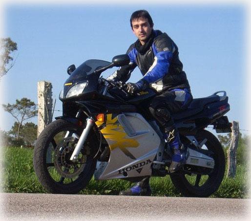 Entretenir sa moto : graissage de chaîne