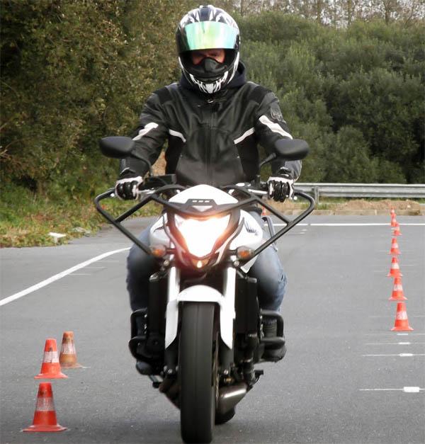Le permis moto vu de façon humoristique