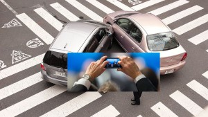 ccommons-Shuets Udono-800px-Japanese_car_accident